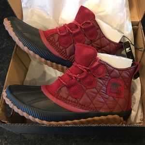 NWT Sorel Out 'N About Plus Camp Waterproof Boot